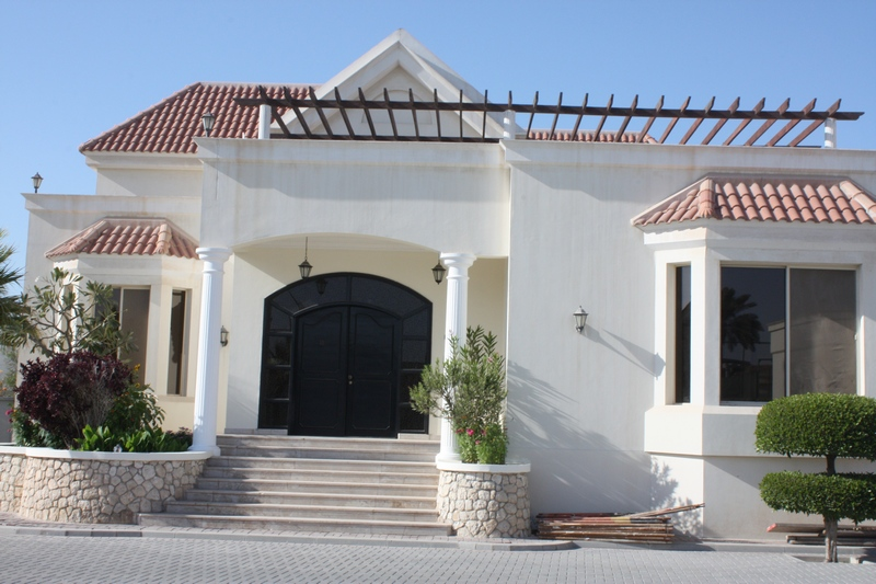 semi furnished 4 bedroom villa available for rent in saar